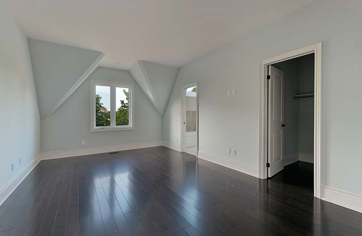 017-Large-Master-Bedroom.jpg