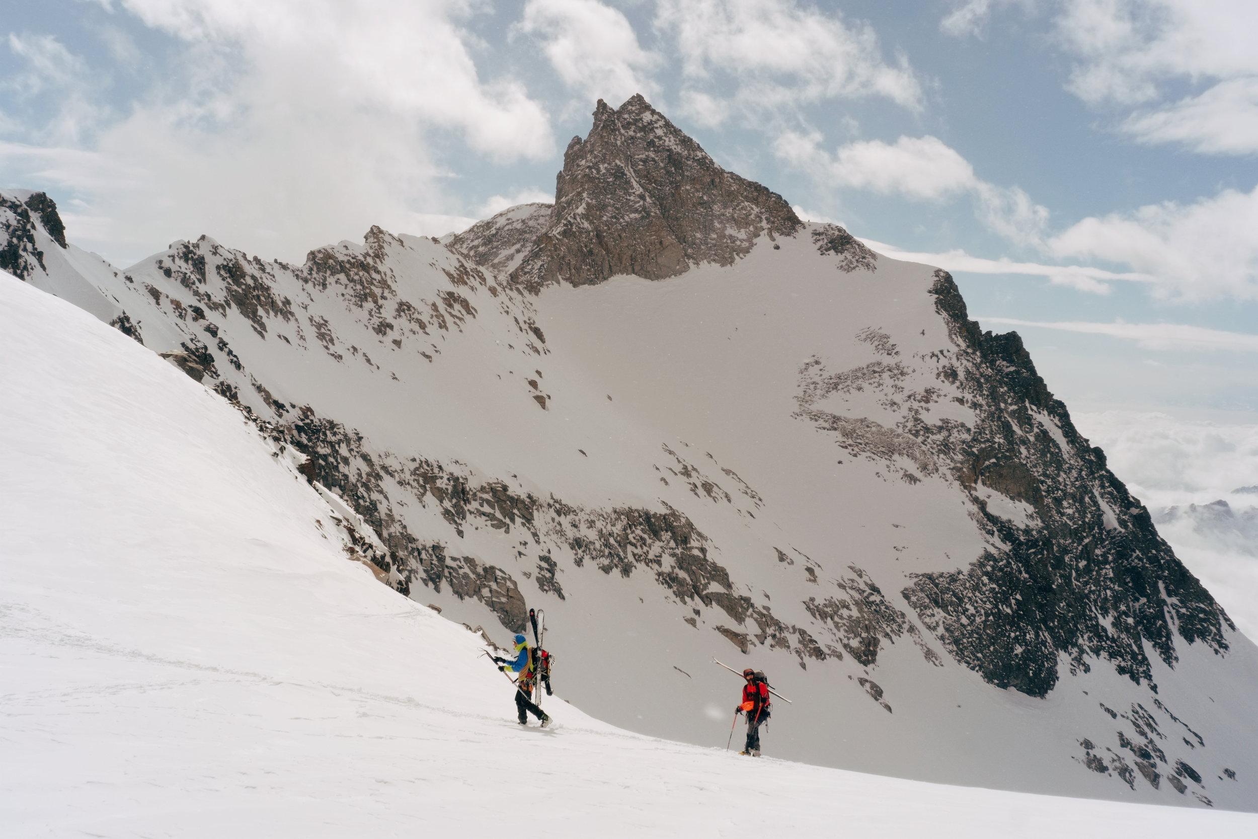Le passage du col di Teleccio et la Punta di Odenzana 3492 m.