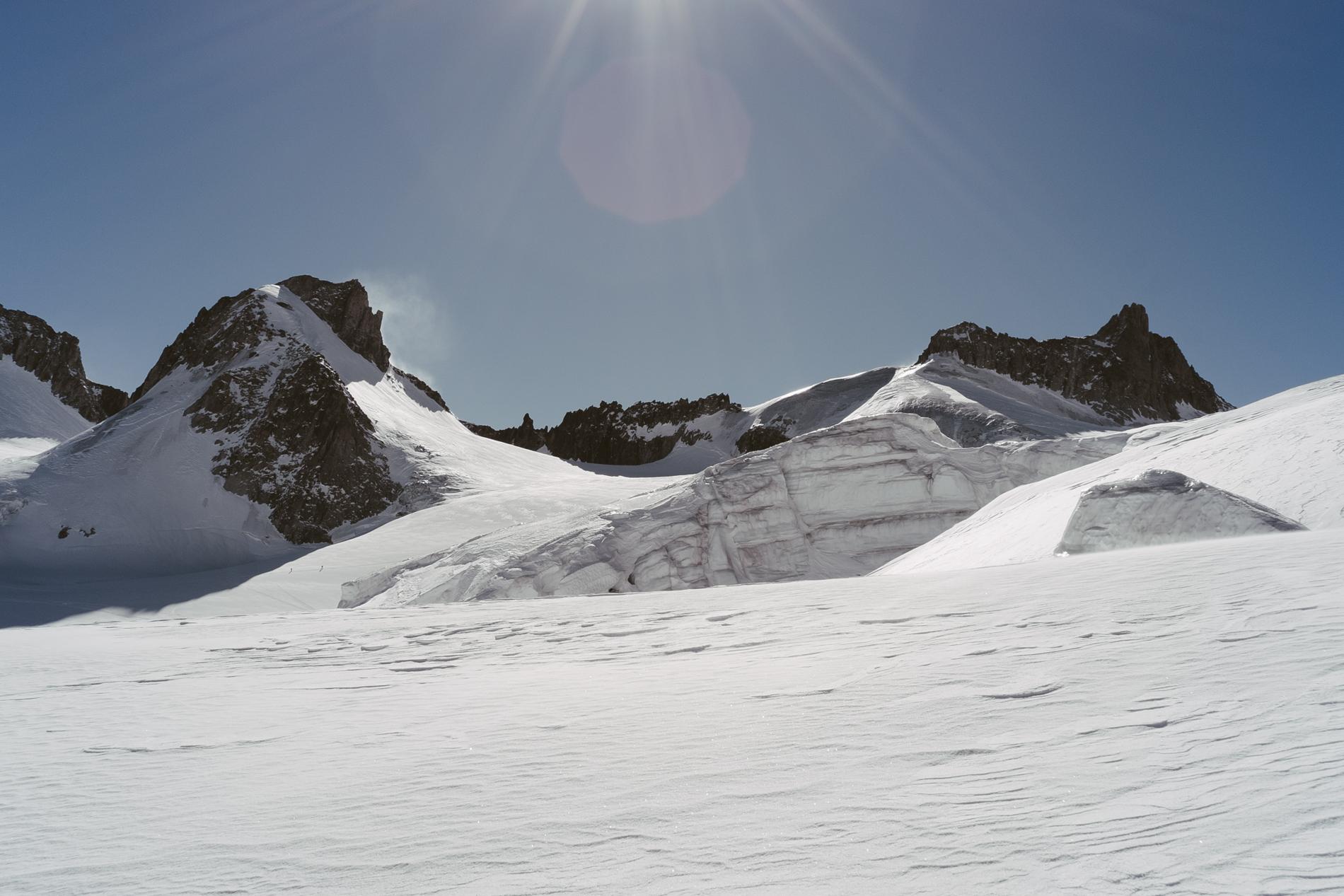 Aiguille de Toule 3534 m et Aiguille d'Entrèves 3604 m - CHAMONIX, FRANCE.