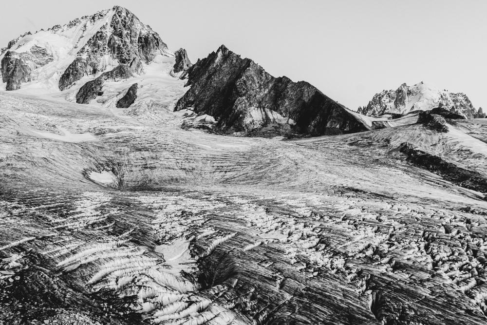 Aiguille du Chardonnet et glacier du Tour en été, Chamonix (haute-savoie, france). page 28