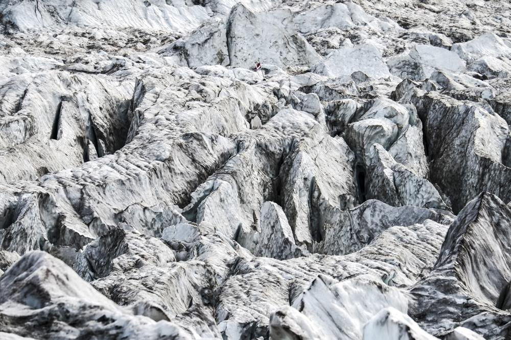 chaos au glacier des bossons depuis la jonction, chamonix (haute-savoie, france). Pages 30-31