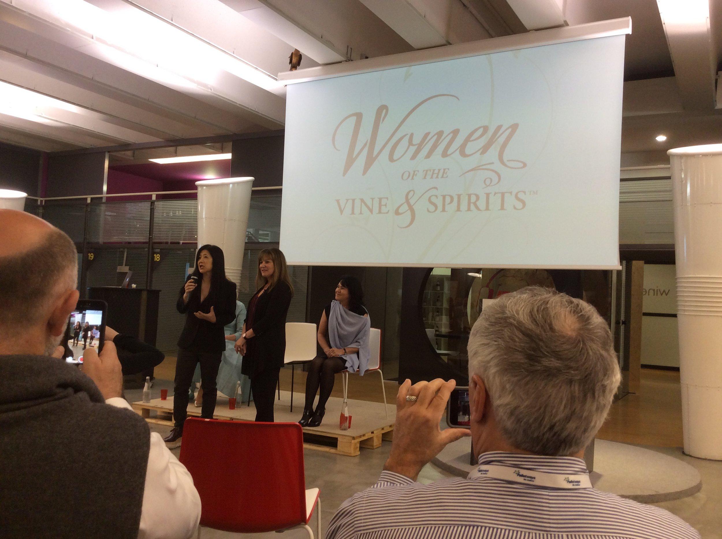 Stevie Kim e Deborah Brenner alla presentazione di Women of the Vine&Spirits