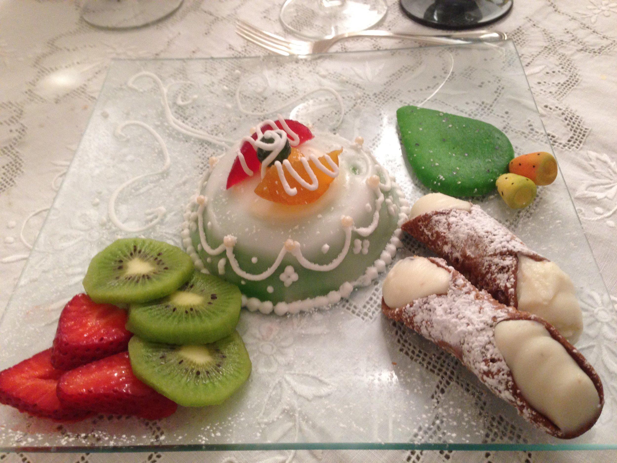 La mitica, dolcissima cassata siciliana...