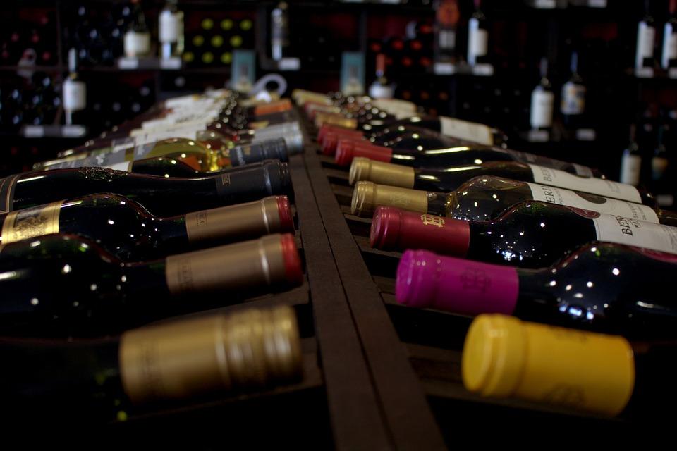 bottiglie, scaffale.jpg