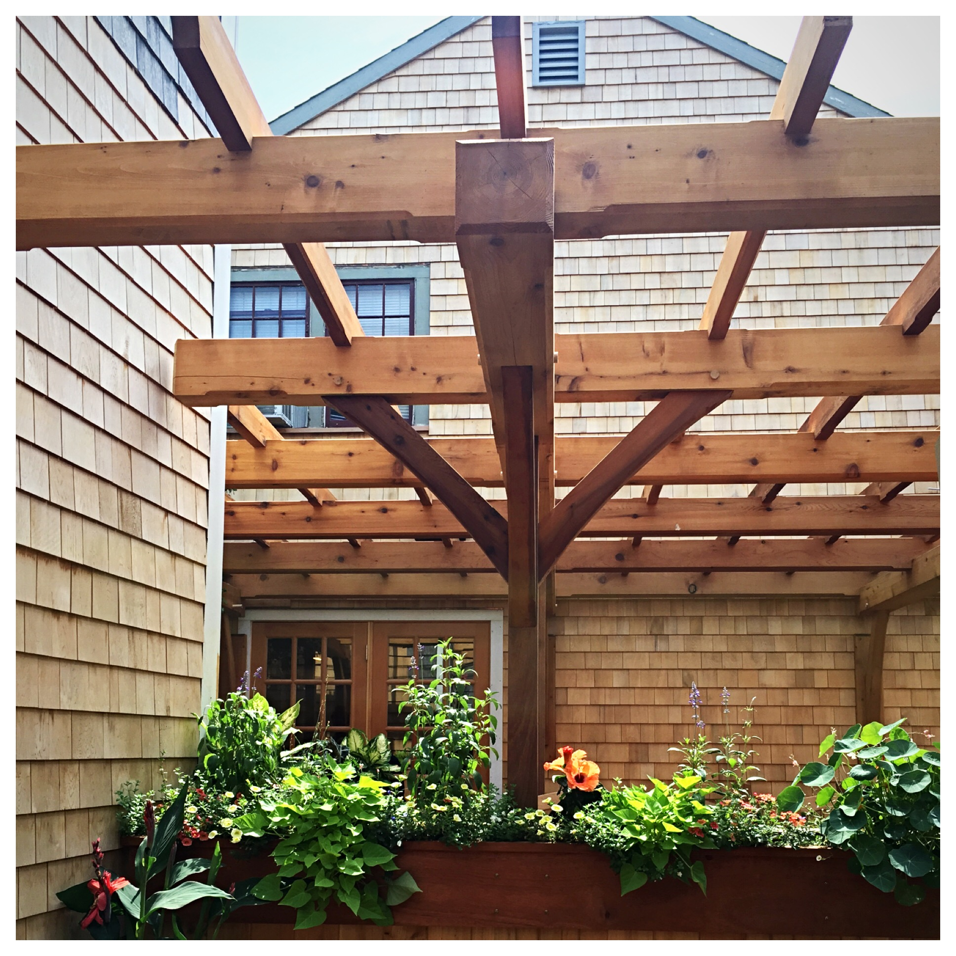 pergola seating and dining area