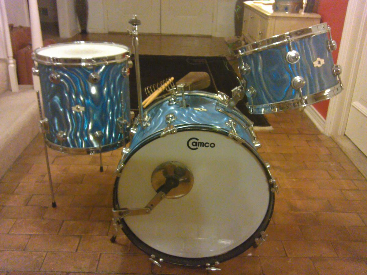 Oaklawn Camco 20 12 14 In Blue Moire Vintage Camco Drums