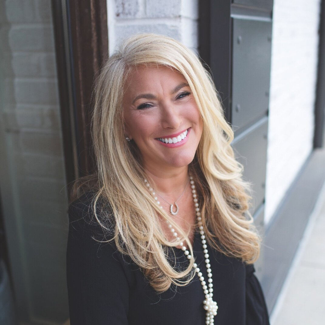 Kendall Rose, Financial Expert + Author of The Stepmoms Club - The 4D's for Stepmoms + Finances