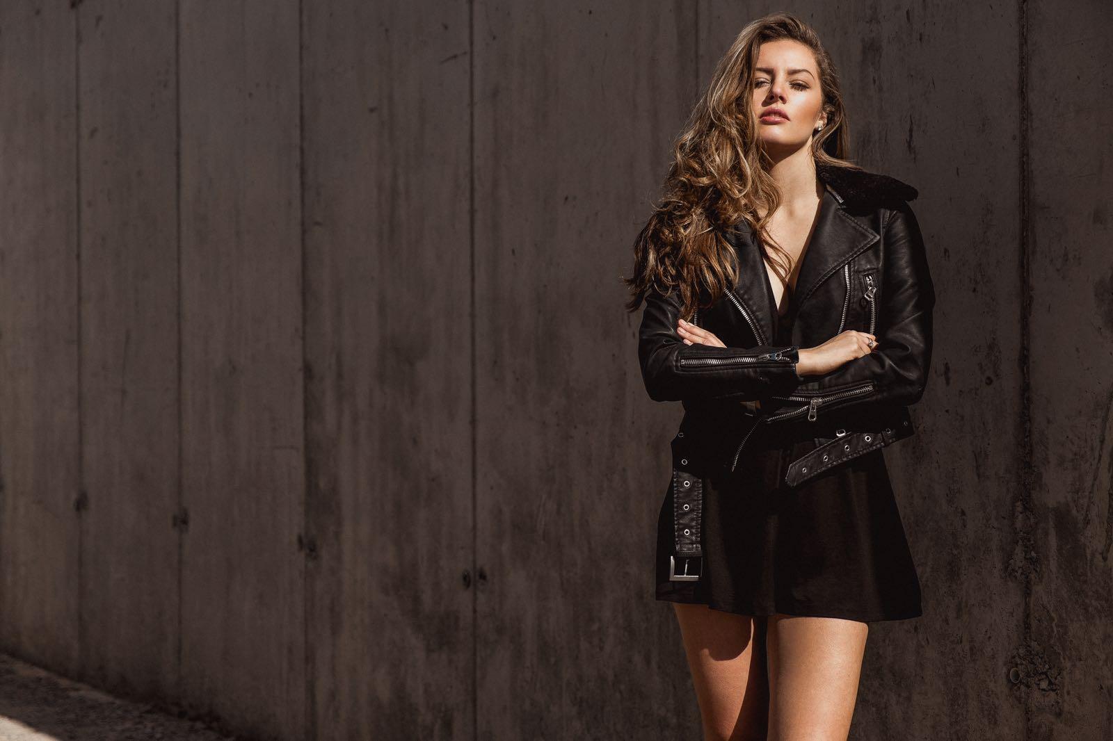 Carley R- lel - 25 model mgmt bristol, london models women commerical- desert