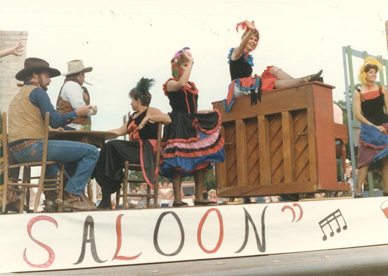 Fandangle Parade 1988 002 (Front).jpg