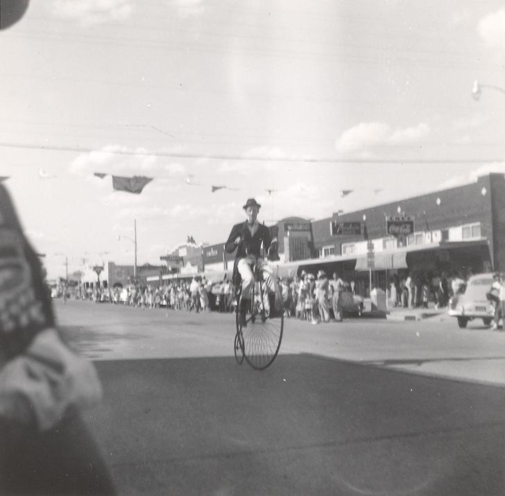 Fandangle Parade 1962.jpg