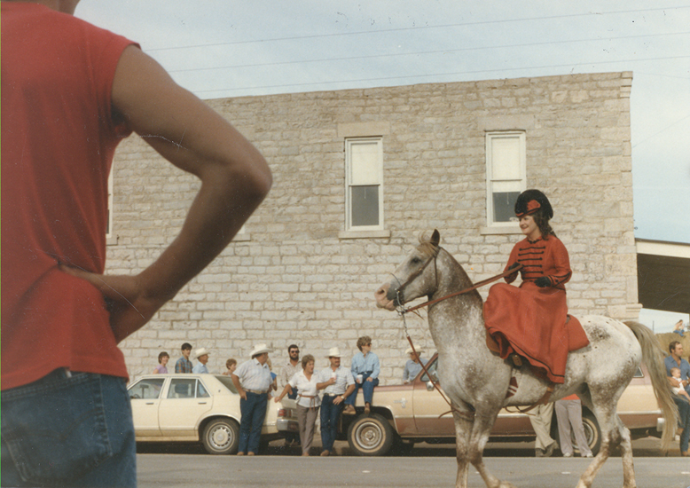Fandangle Parade 1988 Bonnie Browning.jpg