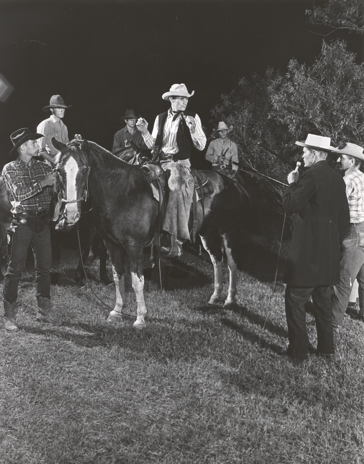 George Harvick, Terry Moberly, Bill Farmer, Harold Law, Richard Middlebrook (singing), Clifford Teinert (horseback).jpg