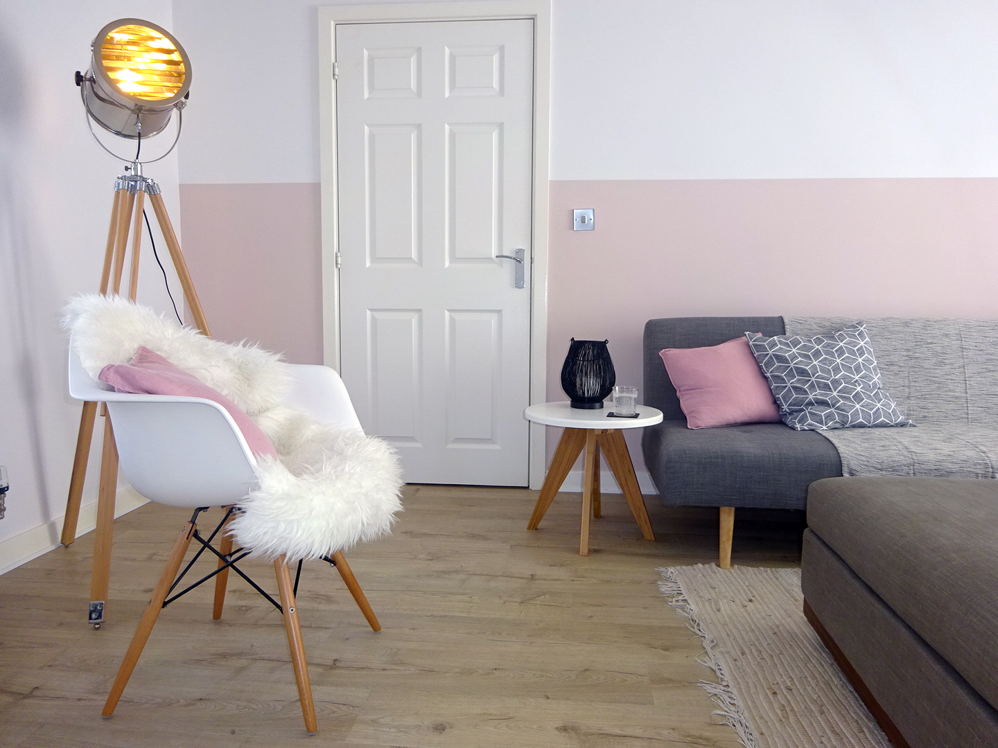 Blush, grey & white work really well to create a peaceful family space