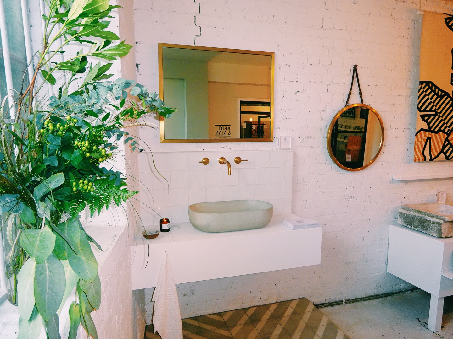 Dream concrete sink, brass fixtures and mirrors!