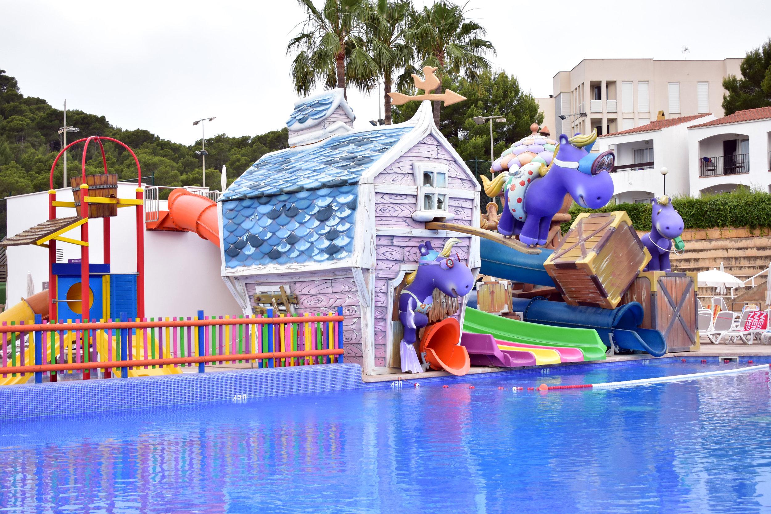 fergus club europa kids pool 2.jpg