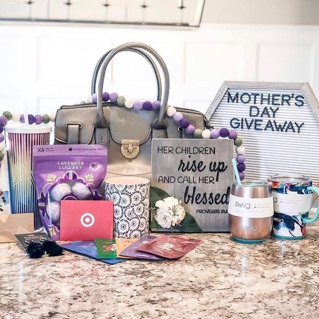 ✨Mother's Day Giveaway!✨ Can you believe it's almost here?! To celebrate Mother's Day, I have partnered with a group of small businesses and influencers to bring you one fabulous giveaway with everything you see here. I am including a $50 gift card to use toward our products from our online shop 💆🏻‍♀️⭐️🛁 To enter: 1. Like this photo.  2. Follow @mothersday_giveaway and ALL accounts that account is following.  3. Comment below with your plans for Mother's Day.  4. For extra entries: tag your friends below!  Prize includes: ⭐️Target Gift Card ⭐️Starbucks Gift Card ⭐️Starbucks Cup & Iced Coffee Mix ⭐️Baublebar Earrings ⭐️Bath Bombs & Face Masks ⭐️Scented Candle ⭐️Custom-Made Felt Garland ⭐️Custom Hand-Made Wood Sign ⭐️Purse ⭐️Insulated Drinkware ⭐️Letterboard  Please note: this giveaway is in no way affiliated with or sponsored by Instagram. Giveaway will be open until 10pm CST May 11, 2019. Winner will be announced and contacted on May 12, 2019.