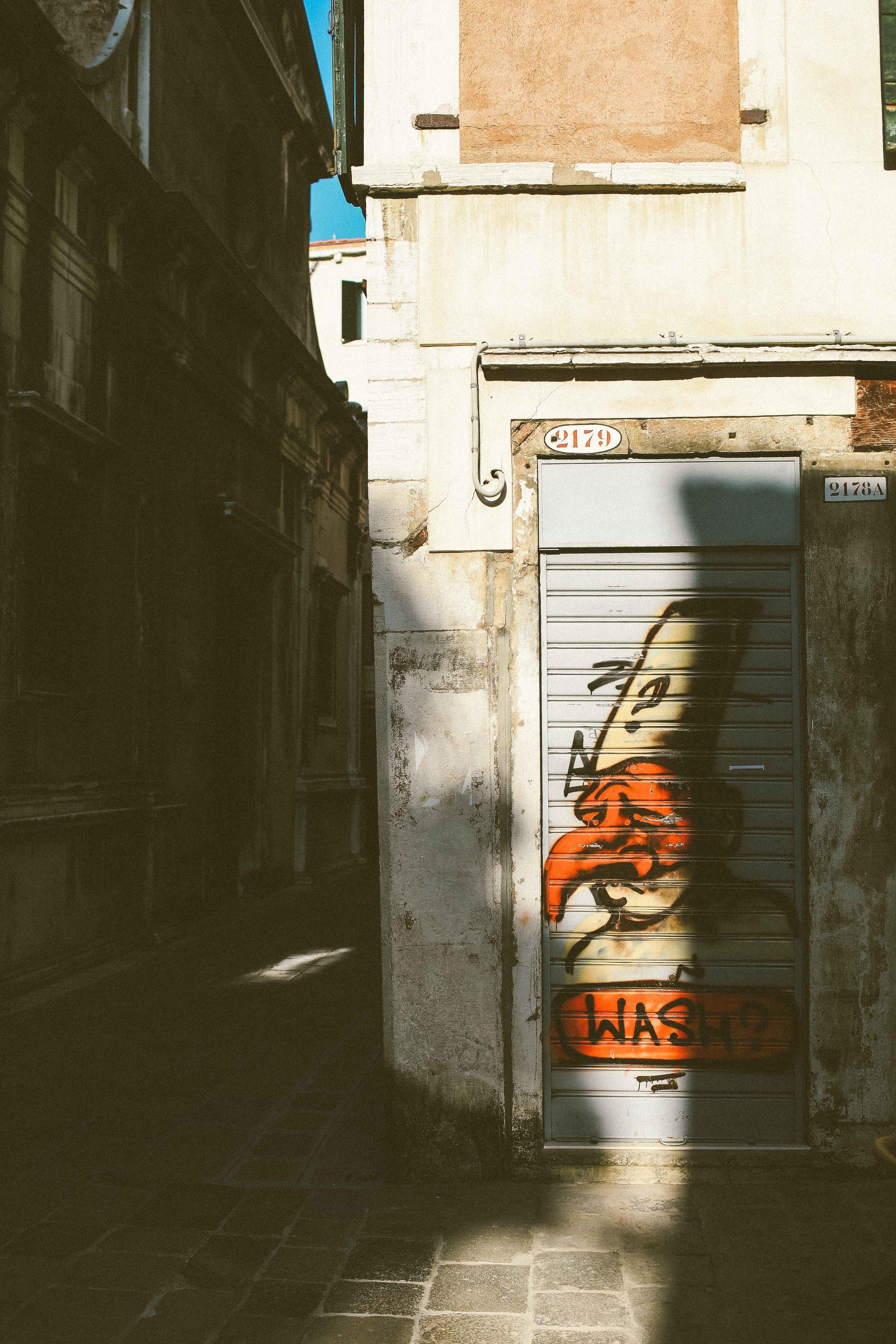 Street_Photography_Venice_Italy_2.jpg