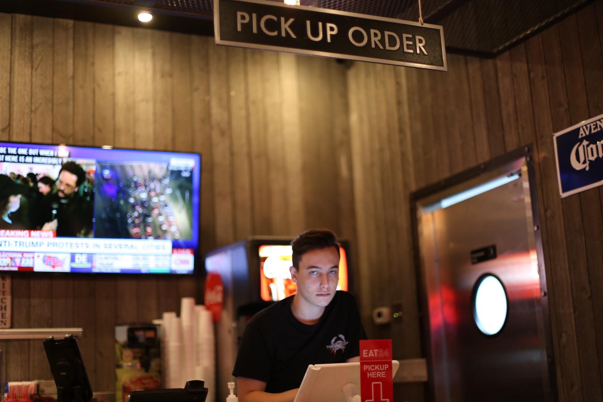 Pick Up Order Station