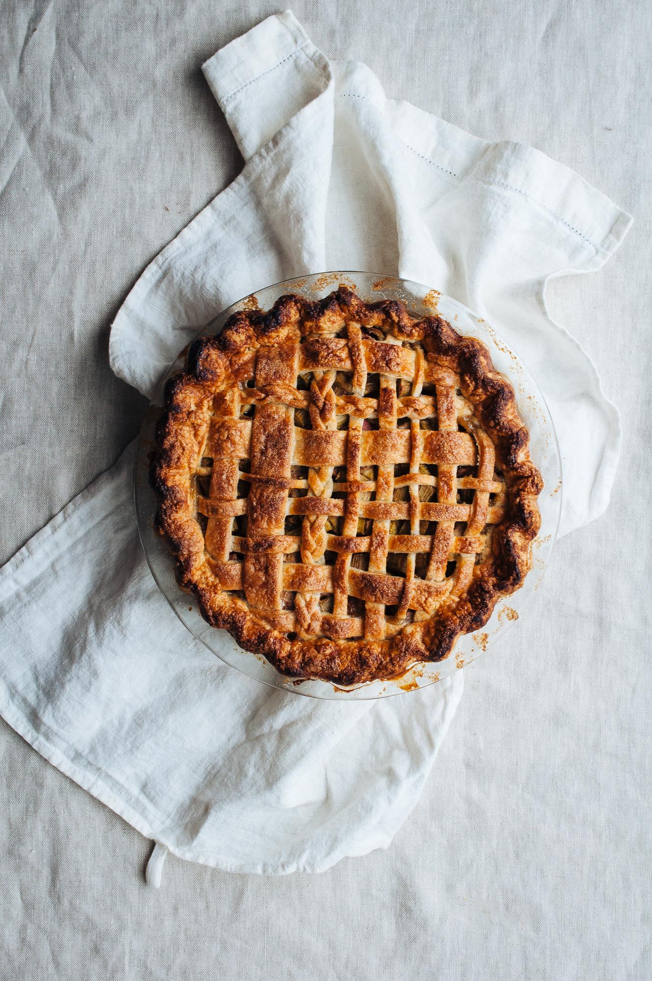 Rhubarb Pie 7.jpg