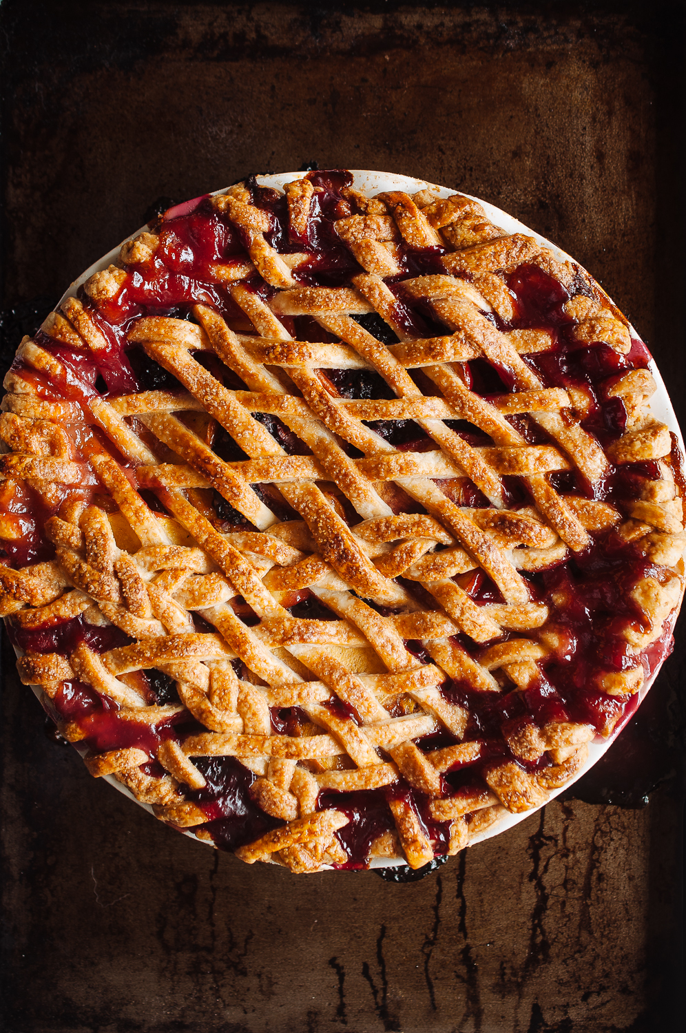 Peach blackberry pie 5.jpg
