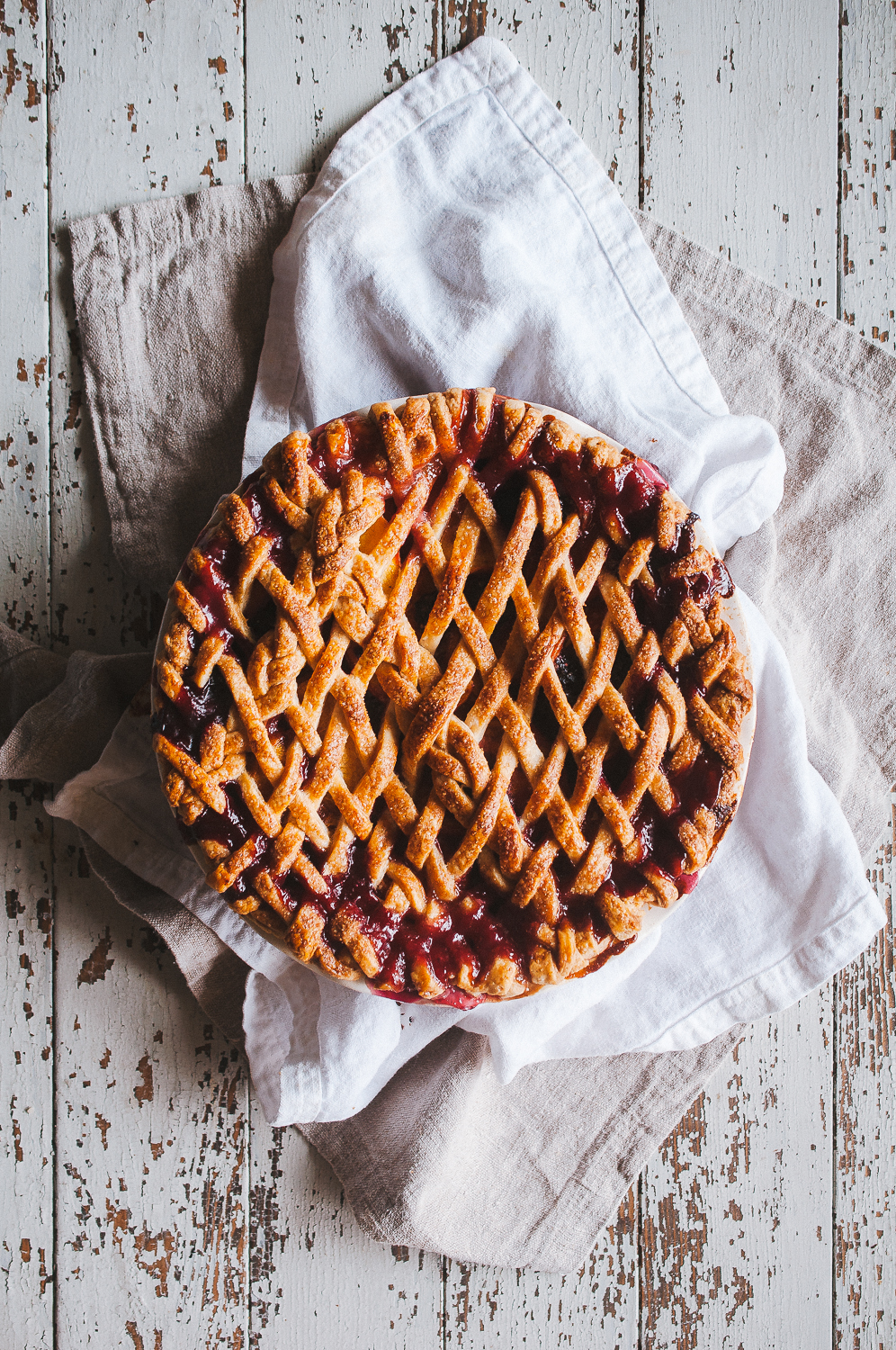 Peach blackberry pie 7.jpg