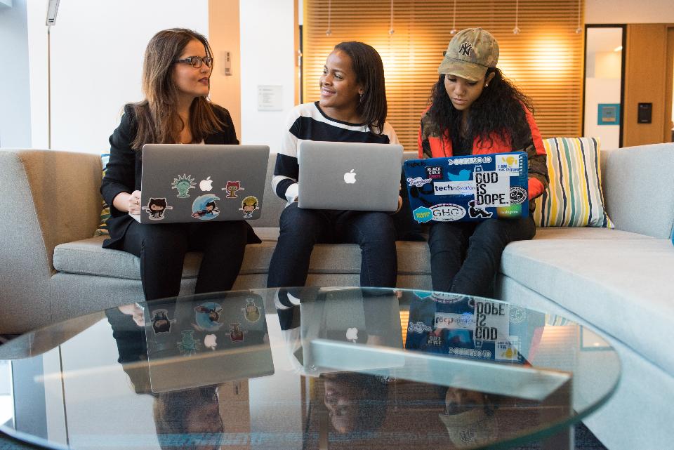 girls on computer, girls talking, learning