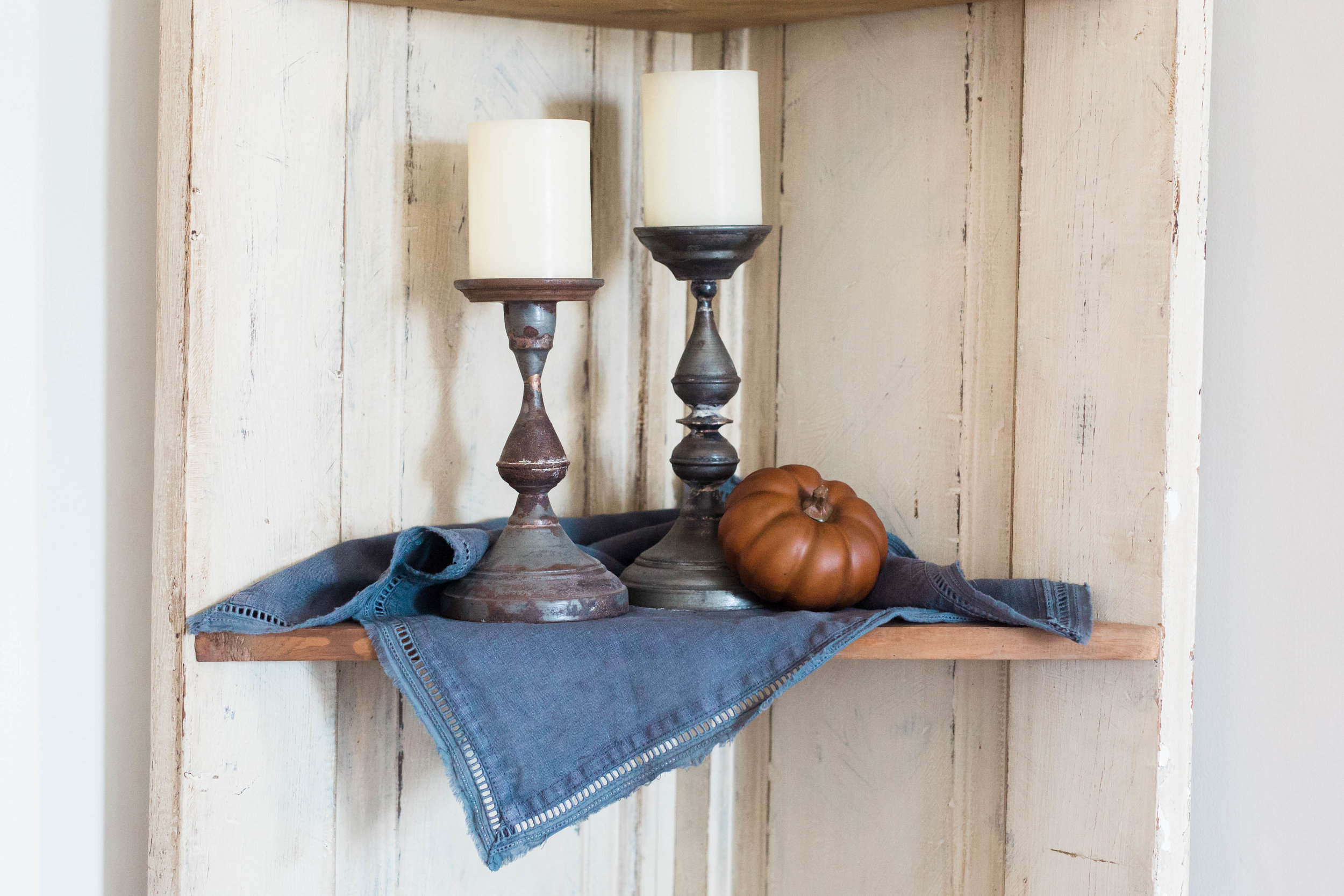 fall_farmhouse_decor_candles