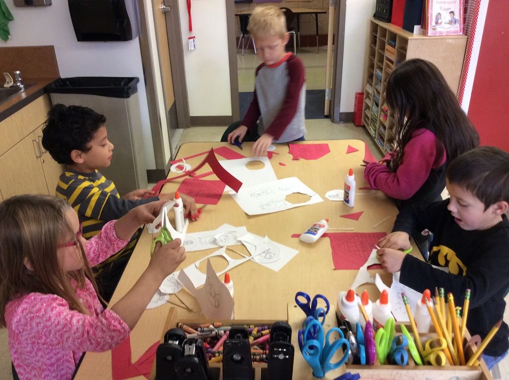 Making puppets as a response to reading.