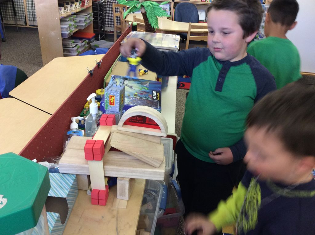 Creating a Three Pig version at the STEM (Block) Center.