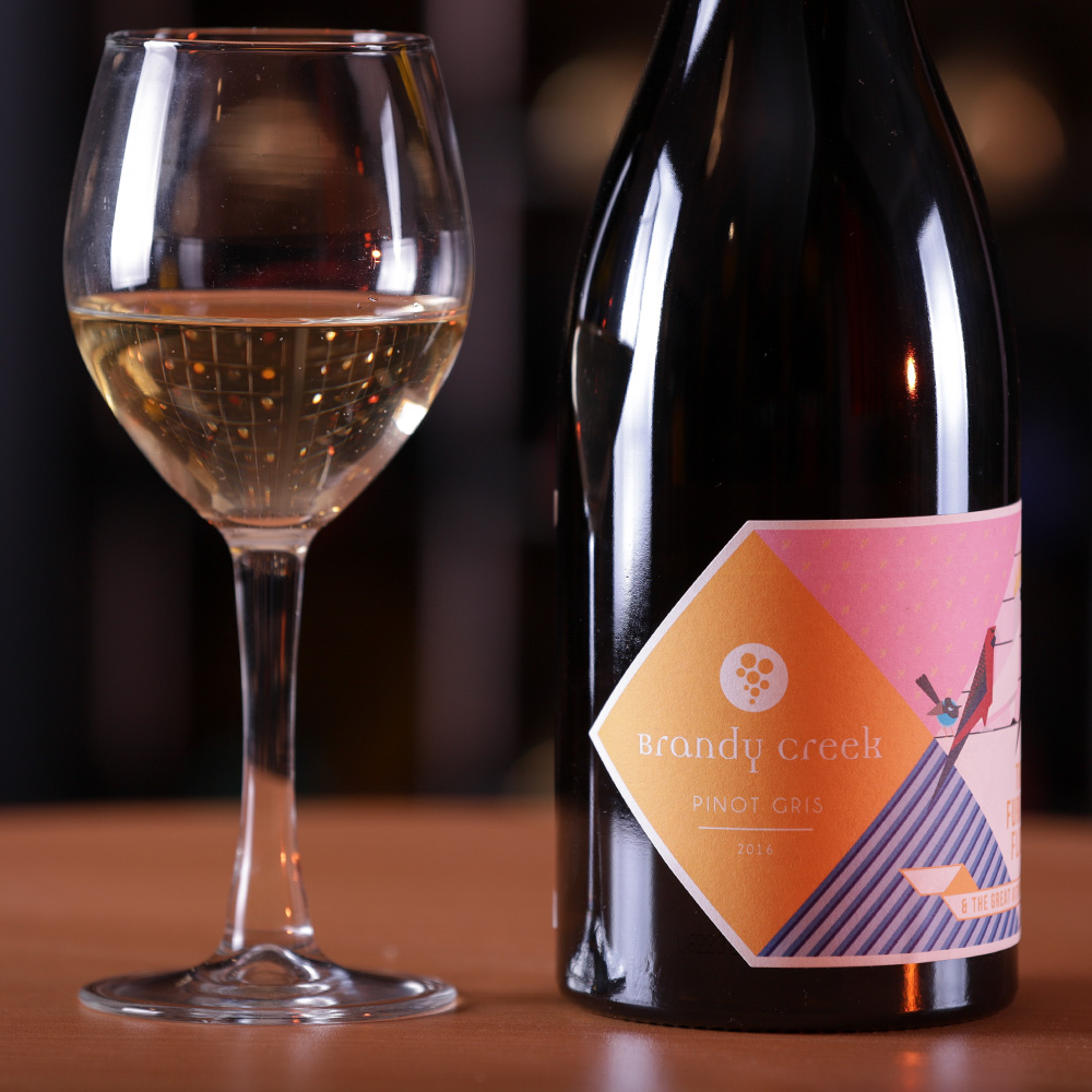 2016-Furious Flock Pinot Gris - Pinot Gris made from estate grown fruit. Hand Harvested. The fermentation begins in used French oak & transferred to stainless steel tanks before bottling.Gleams gold in the glass. A Juicy and aromatic style with the aroma of lemon, Melon, and Apricot. A long lingering & mineral finish in the palate.