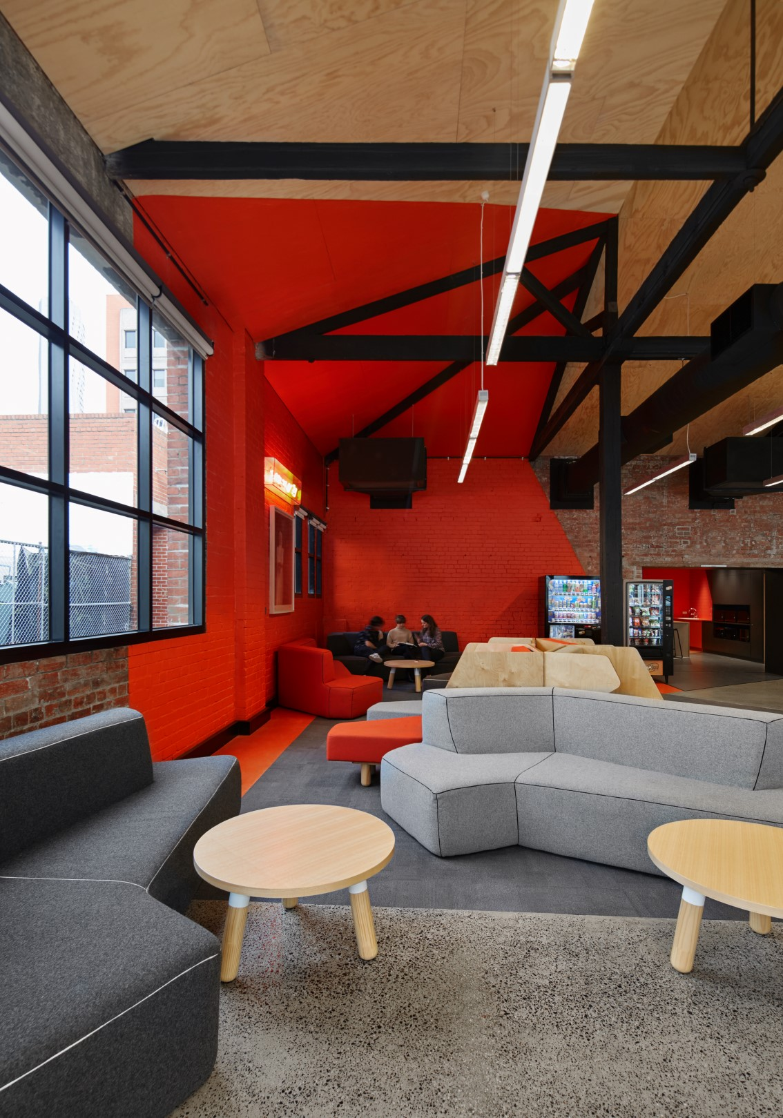 HINGE_RMIT Student Zone_Internal_Red Quadrant_Large.jpg
