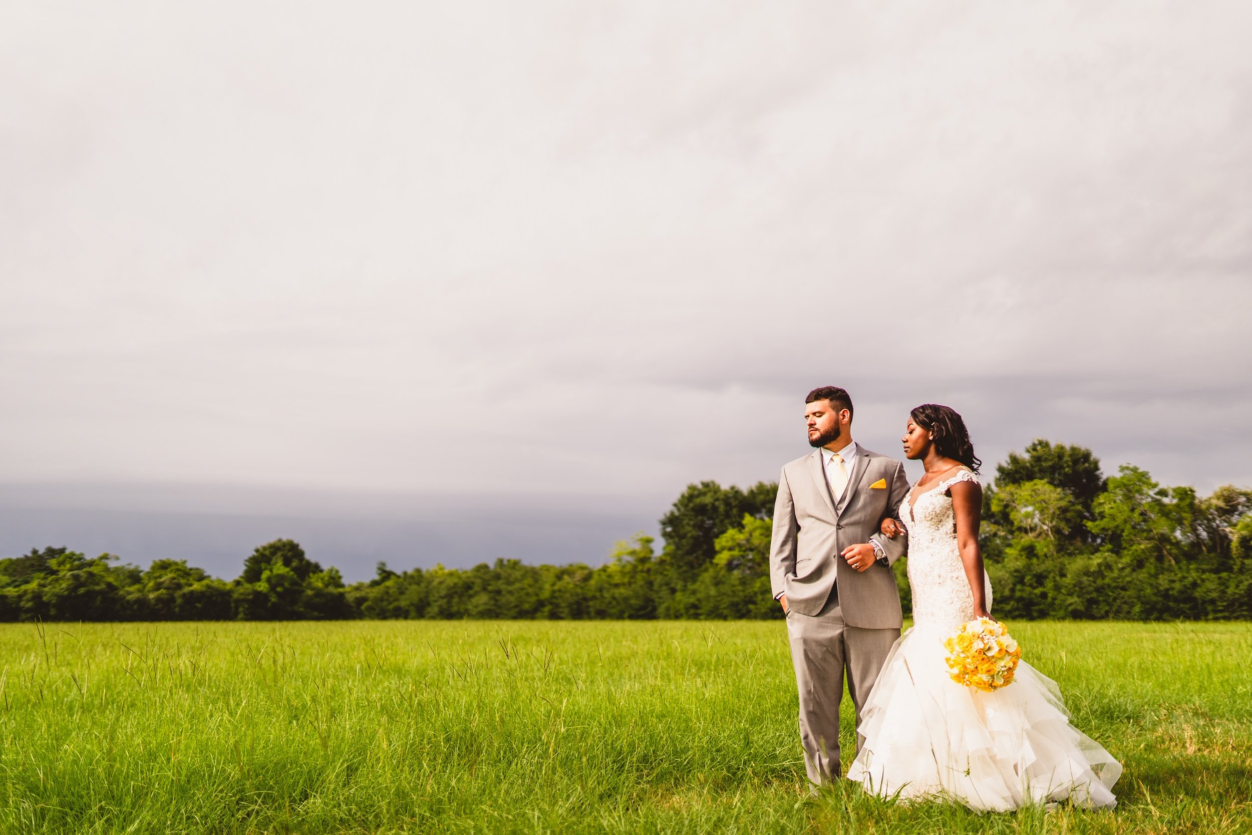 Houston-Wedding-photographer-photographers-photography-moffit-oaks-venue-best-top-vendors-in-make-up-bridal-floral-married-pictures-creative-travel-texas-tx.JPG