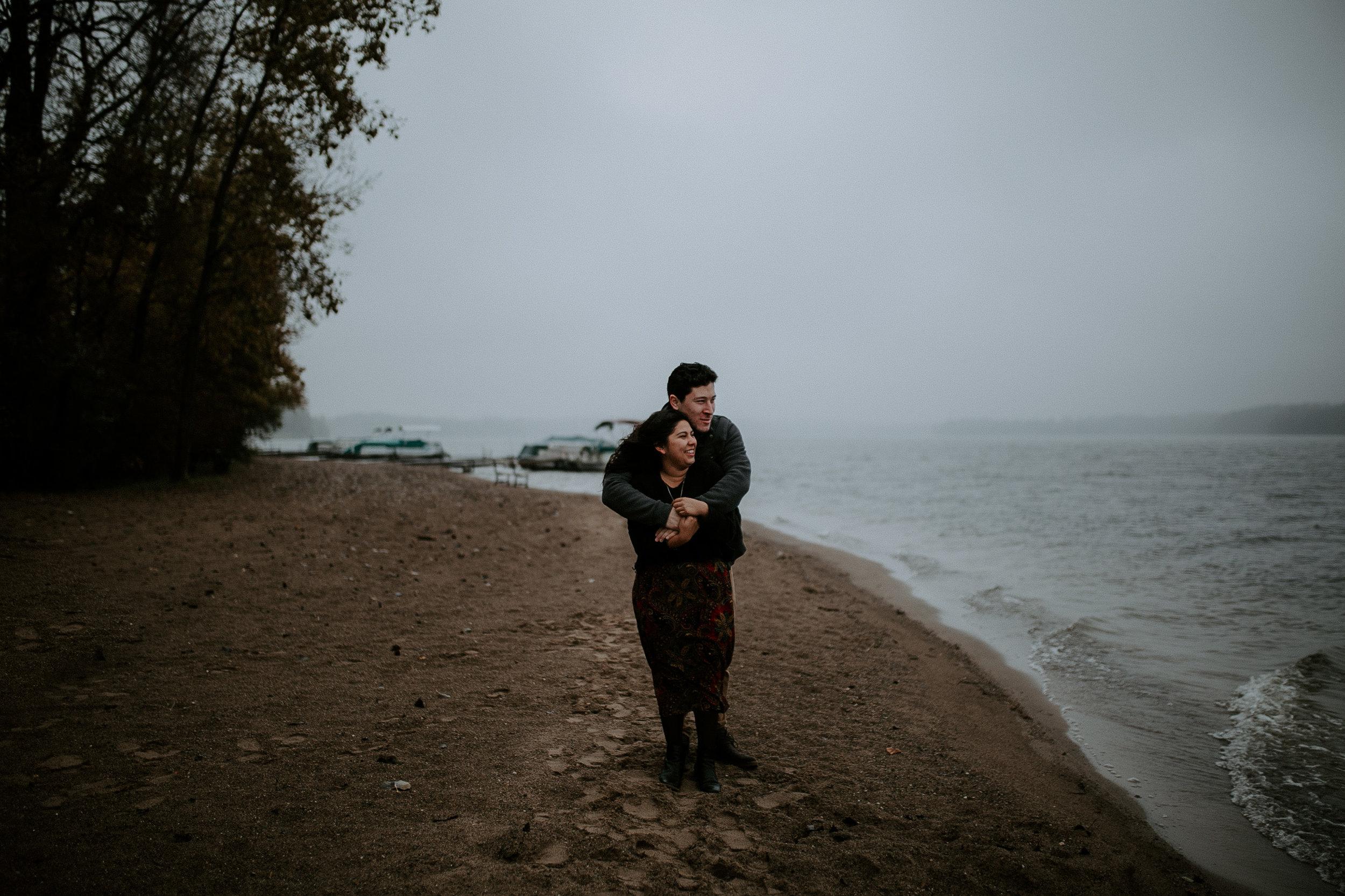 STEPH+DAN-COUPLE-REAGANLYNNPHOTOGRAPHY-PRAIRIECREEKRESERVOIR-MUNCIE-INDIANA-2.jpg