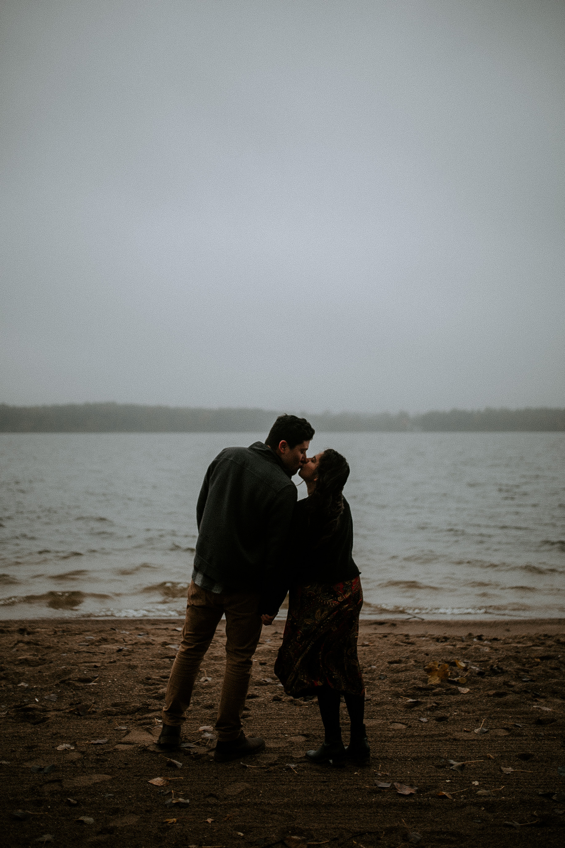 STEPH+DAN-COUPLE-REAGANLYNNPHOTOGRAPHY-PRAIRIECREEKRESERVOIR-MUNCIE-INDIANA-18.jpg