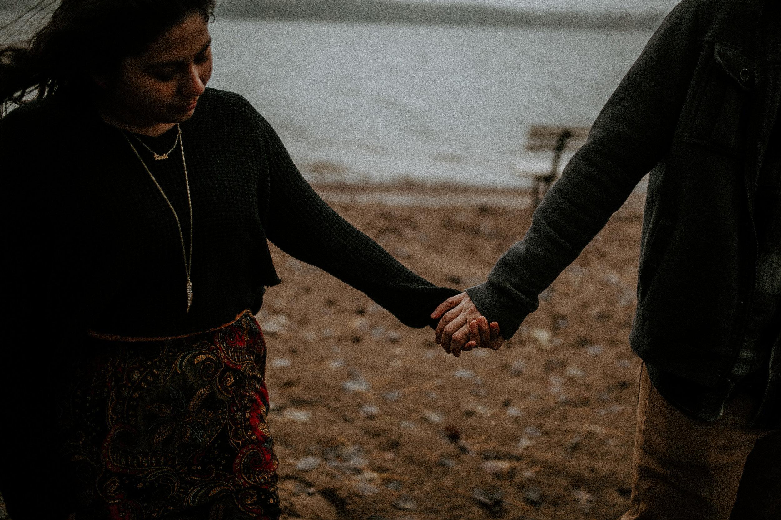 STEPH+DAN-COUPLE-REAGANLYNNPHOTOGRAPHY-PRAIRIECREEKRESERVOIR-MUNCIE-INDIANA-20.jpg