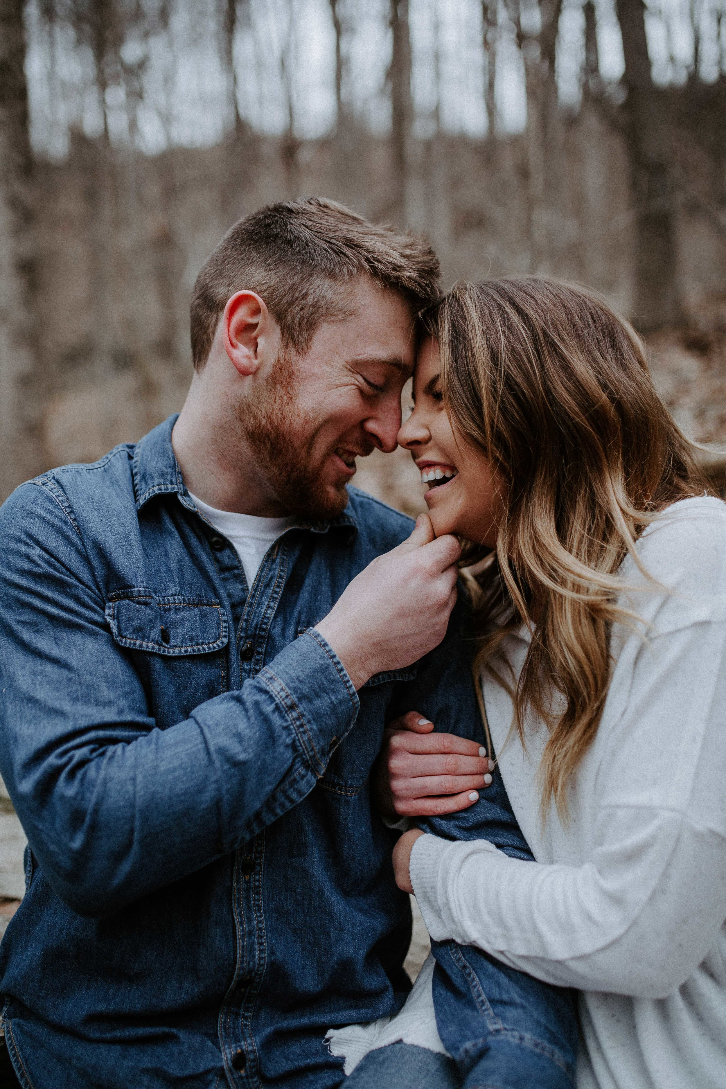LIZA+EVAN-BLOOMINGTON-COUPLE-ENGAGEMENT-REAGANLYNNPHOTOGRAPHY-MUNCIE-INDIANAPOLIS-9.jpg