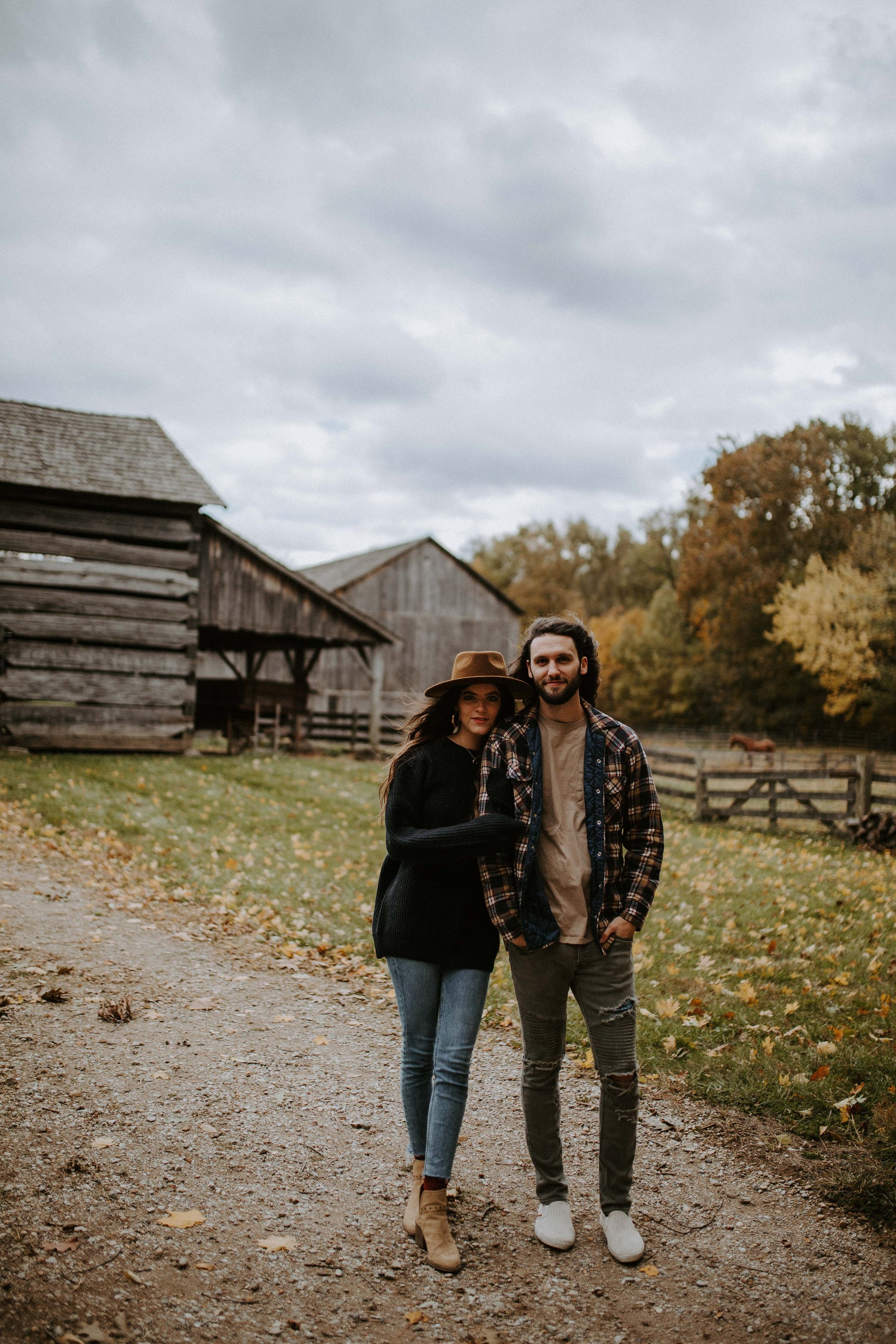 reaganlynnphotography-couplephotography-connerprairie-leximccracken23.jpg