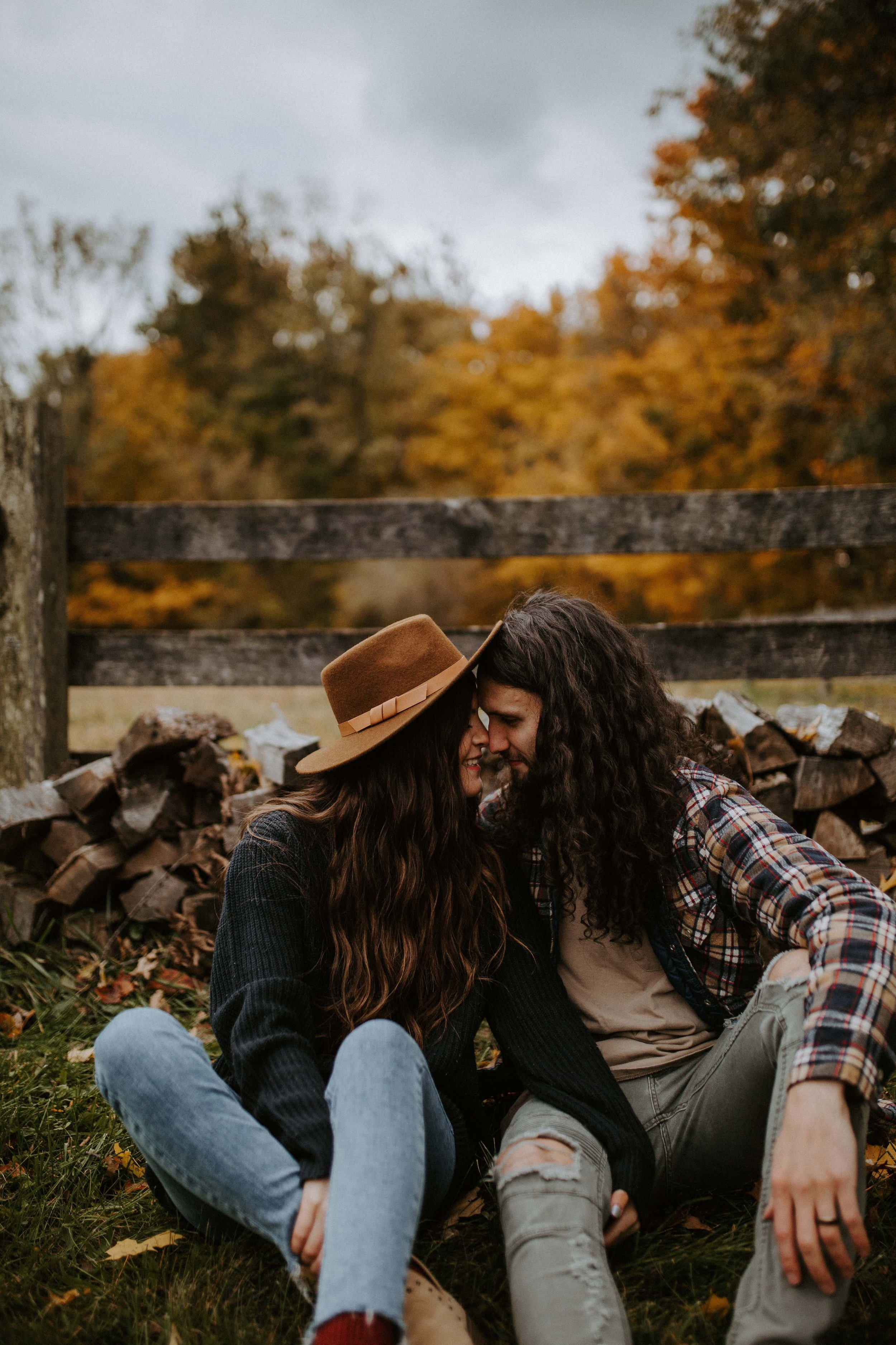reaganlynnphotography-couplephotography-connerprairie-leximccracken25.jpg