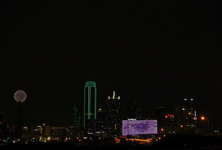 Lifestyle Portrait of Dallas Skyline | Atlanta + Dallas Lifestyle, Fashion & Business Portrait Studio and Outdoor Photographer | ksimonphotography.com | © KSimon Photography, LLC