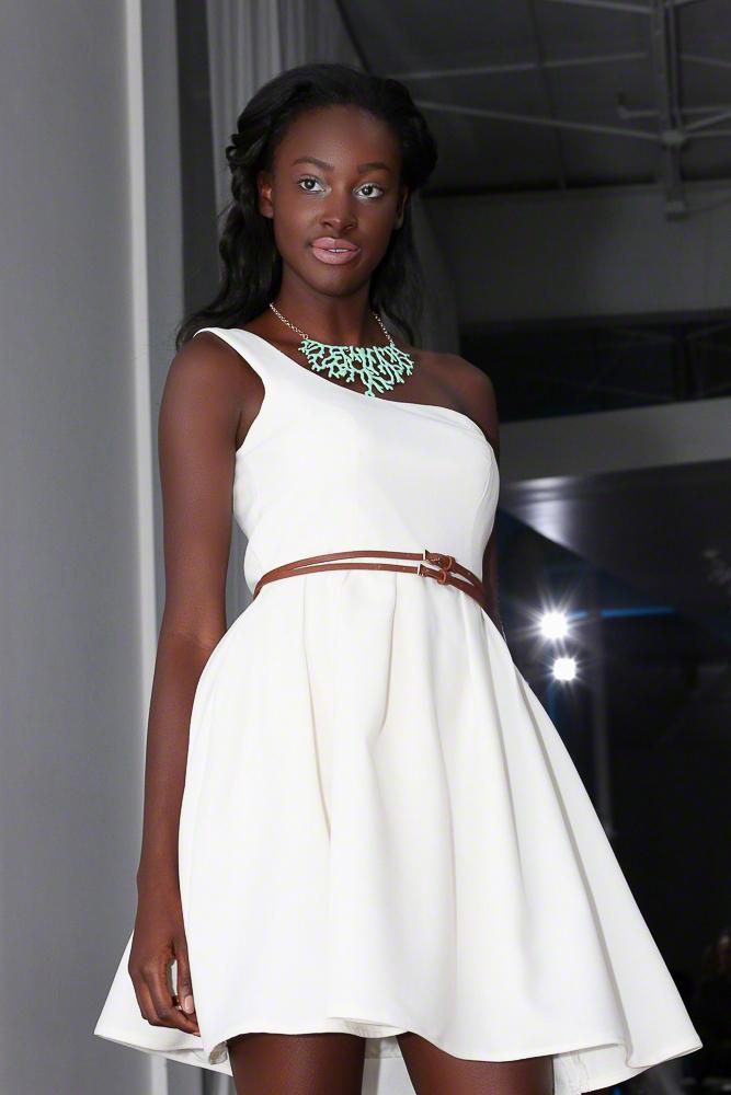 Fashion Photo of Model | Atlanta + Dallas Lifestyle, Fashion, & Business Portrait Studio and Outdoor Photographer | ksimonphotography.com | © KSimon Photography, LLC