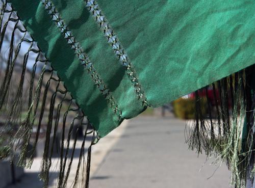 green-shawl-hot-winter-trend-green