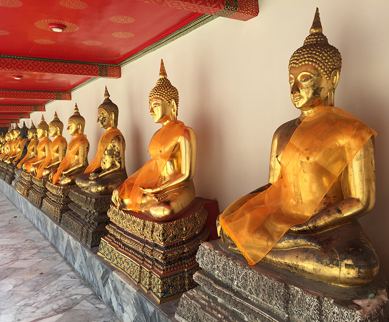 Buddha galleries at the Wat Pho