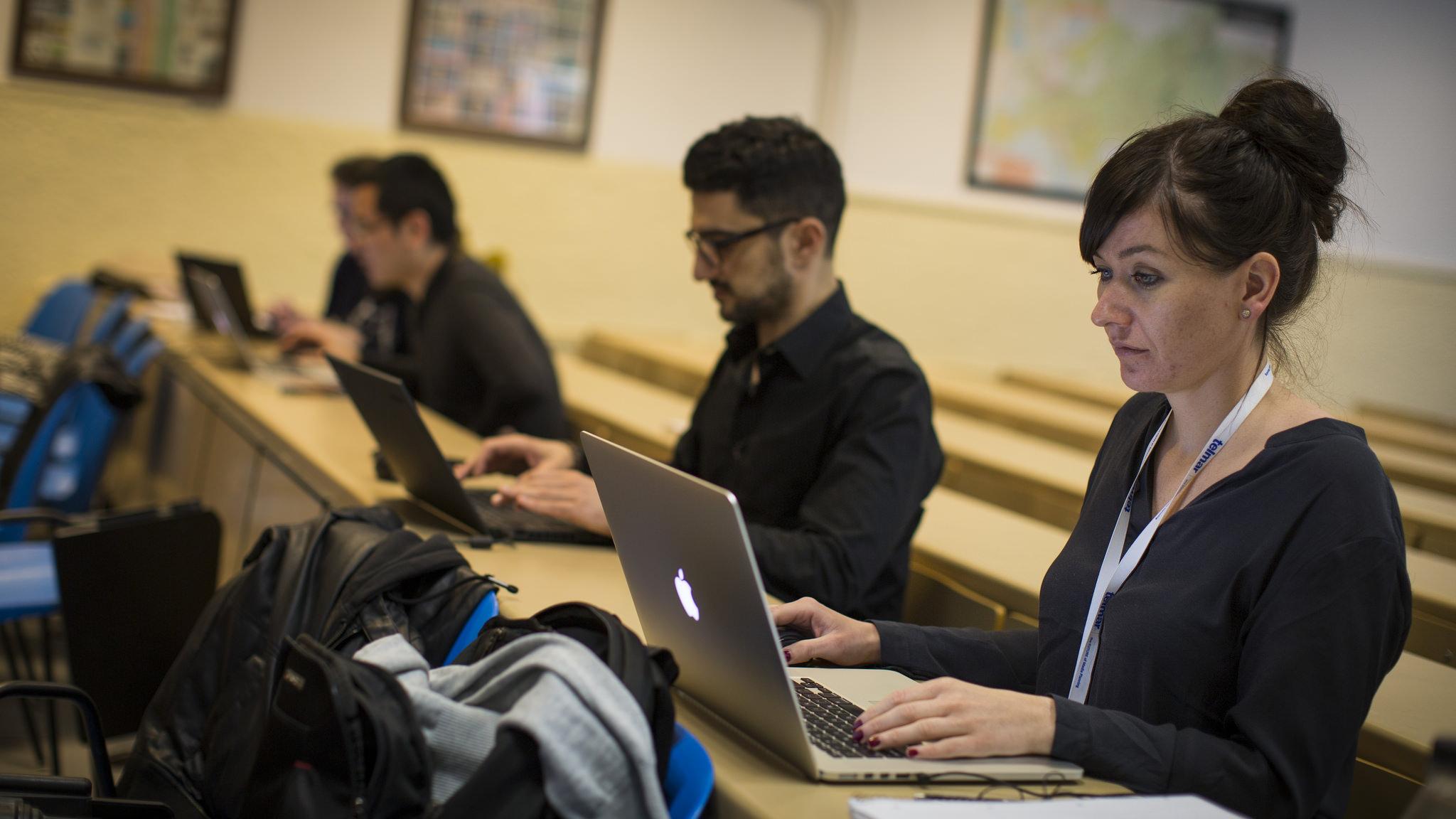 I-COM Data Science Hackathon, teams at work