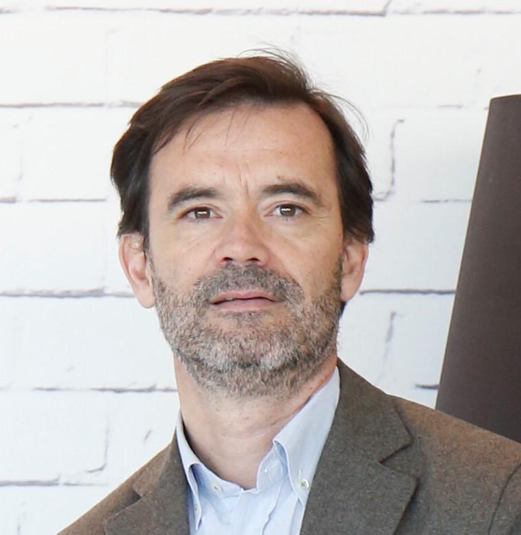 Javier Oliete headshot.jpg