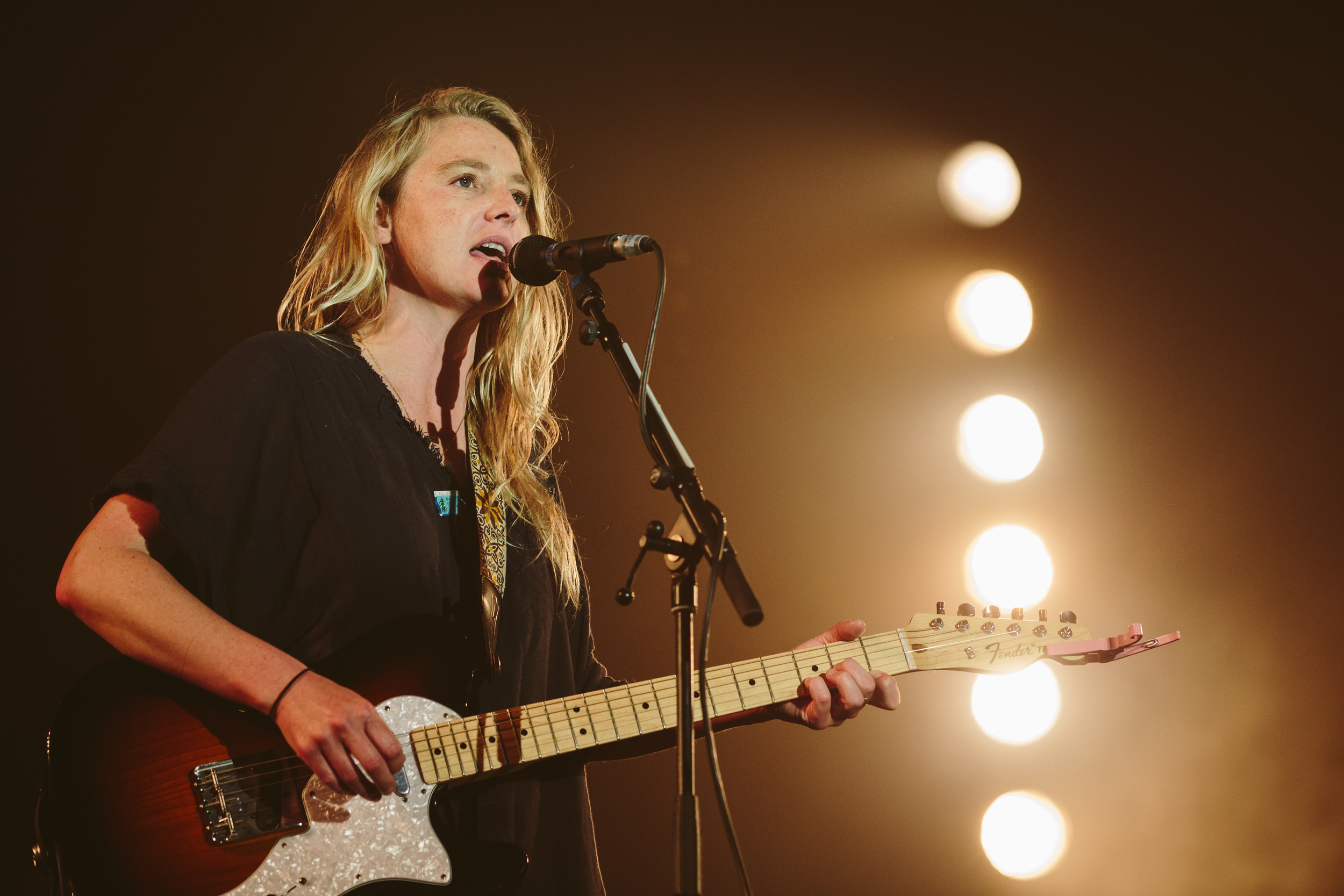 IoW16_Fri_Lissie_BigTop_Sara_Lincoln_Photography_Press-3.jpg