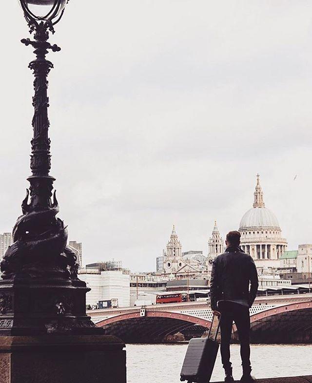 REGRAM #CoolBrand @mondrianldn: The weekend is on the horizon 😎 📸: @twentyfirstcenturygent . . . . . #ontrend #whatstrending #instagood #photooftheday #instablogger #pursuepretty #makeyousmilestyle #petitejoys #livethelittlethings #nothingisordinary #finditliveit #thegoodlife #makeithappen #peoplescreative #visualcrush #bloggervibes #flashesofdelight #livecolorfully #chasinglight #lifeofadventure #thatsdarling #darlingmovement  #cool #love #style #instacool #photogram #instadaily