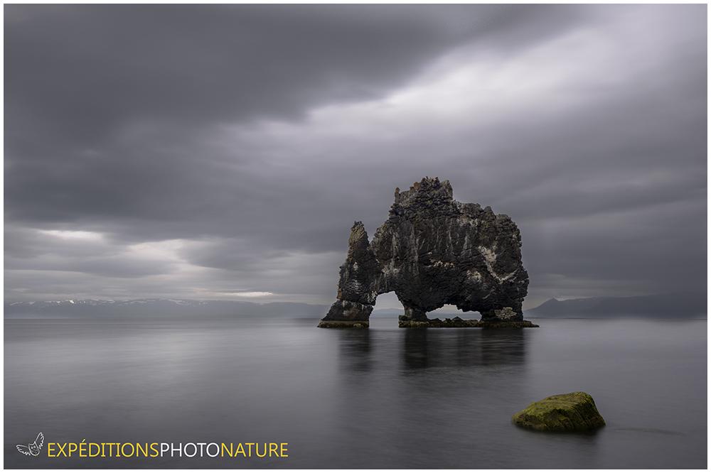 Le rocher de Hvítserkur, crédit photo: Olivier Farhni
