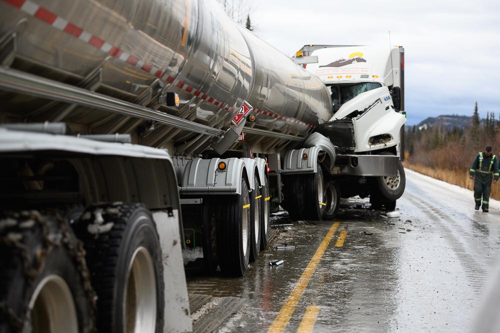 Accident majeur sur le Klondike Hwy, photo: Jean-Luc Monfrais