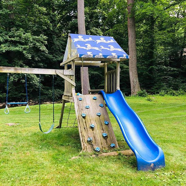 Thought the swing set could use a little @scalamandre spruce up!💙 #itcouldprobablyusesometrim #gottodowhatigottodo #becauseican #styleiseverything #scalamandre #scalamandrezebra #zebra #summerishere #fabric #mainlineinteriordesign #getitataubusson #blueand white #blue #outdoorfabric #outdoordecor #outdoordesign