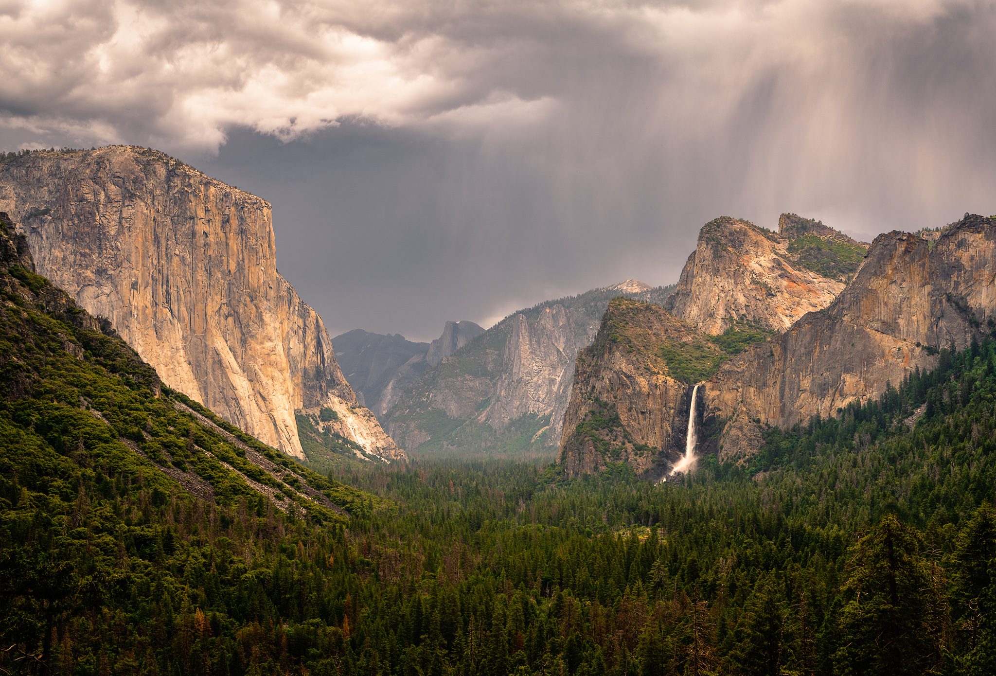 Tunnel View - Yosemite   A storm clearing the classic tunnel view.